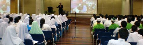 tips-jadi-moderator-seminar